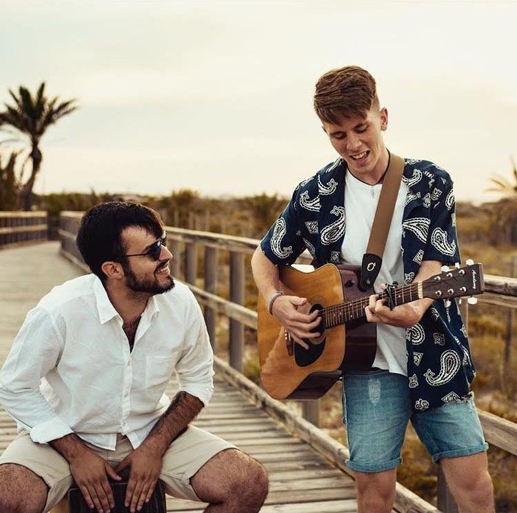 Ginés junto a Felix Esteban en la grabación del videoclip. Vía Instagram: @felix.estebann